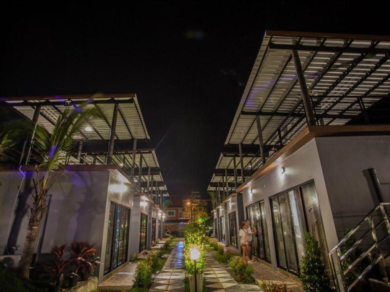 รับลมรีสอร์ท (Rublom Resort)