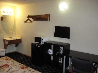Budget Inn Oregon CityPortland guestroom junior suite