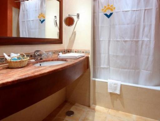 ➦     (Balearic Islands) customer rating