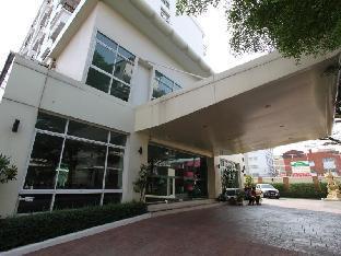 ザ ロイヤル ビー アパートホテル The Royal Bee Aparthotel