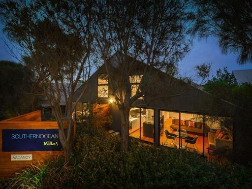 Southern Ocean Villas Great Ocean Road - Port Campbell takes PayPal