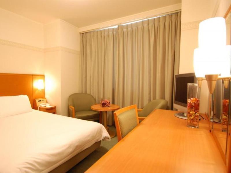 Lake Biwa  hotels Hotel Tetora Otsu