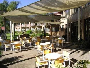 Charbonnier Hallmark Hotel3