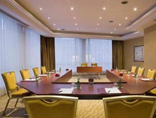 Warwick Hotel Geneva - Meeting Room