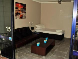 Club Surfers Hotel Gold Coast - Guest Room