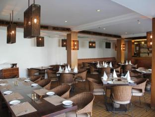 Hotel Palace Heights New Delhi and NCR - Restaurant