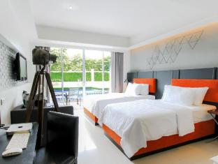 Sugar Marina Resort - Art - Karon Beach Phuket - Deluxe Pool Access