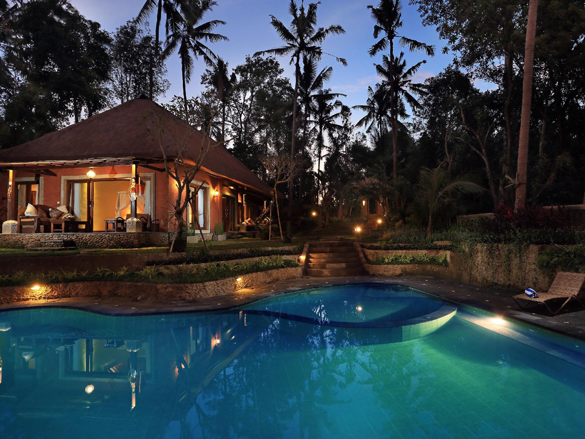 Bunut garden luxury private pool villa ubud bali for Garden pool villa ubud