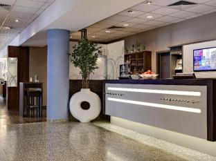 Park Inn by Radisson Berlin City West Berlin - Reception