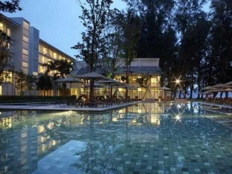 Lone Pine Hotel1