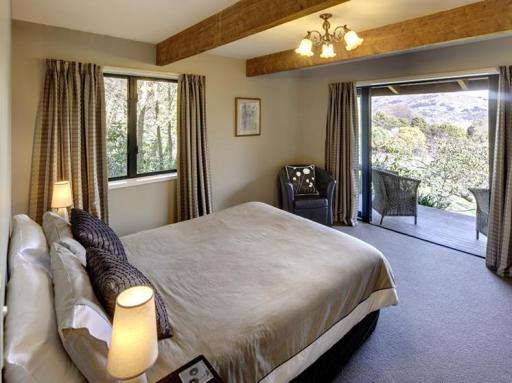 ➦  Heritage Hotels (New Zealand)    customer rating