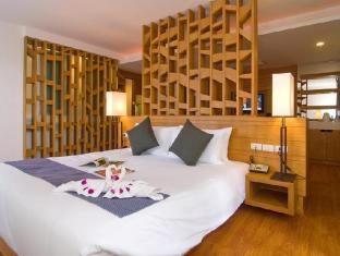 Peach Blossom Resort Phuket - Hotellihuone