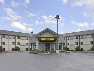 Super 8 Motel - Wisconsin Dells