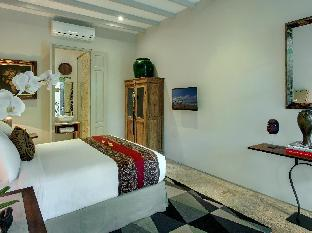 Room & Vespa Suite 3