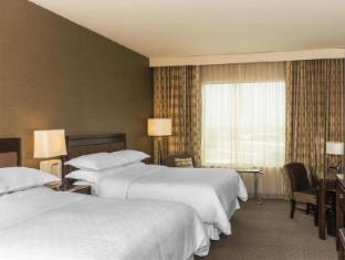 booking.com Sheraton Mesa Hotel at Wrigleyville West