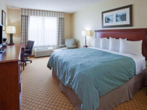 Country Inn & Suites By Carlson Marinette hotel accepts paypal in Marinette (WI)