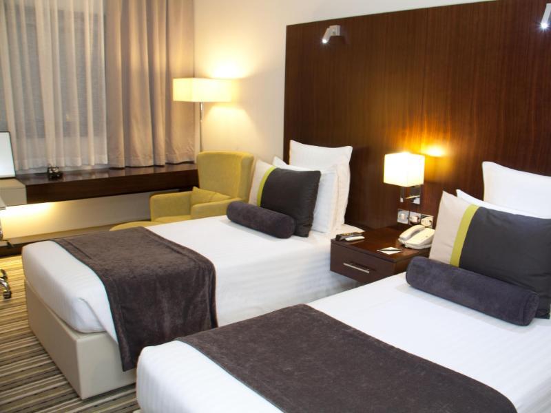 アヴァリ ホテル
