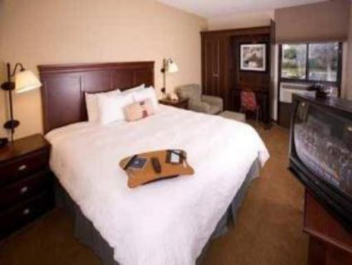 Hampton Inn Ft. Lauderdale-Cypress Creek Hotel hotel accepts paypal in Fort Lauderdale (FL)