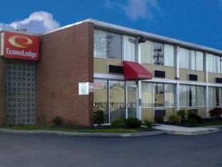 Econo Lodge Near Pimlico Racetrack