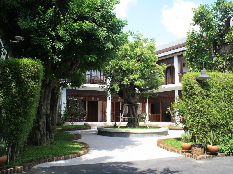 โรงแรมริมปิง วิลเลจ