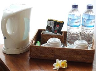 Putri Ayu Cottages Bali - Coffee Tea Maker