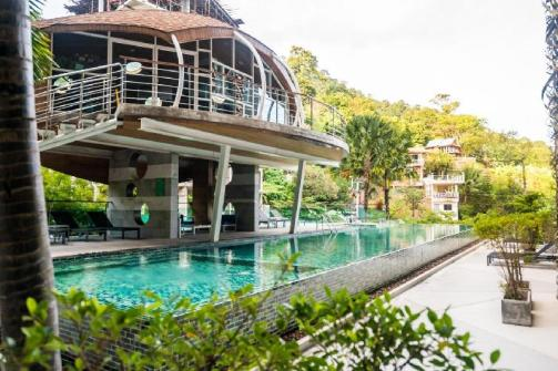 Charming pool view studio, pool and gym in Patong