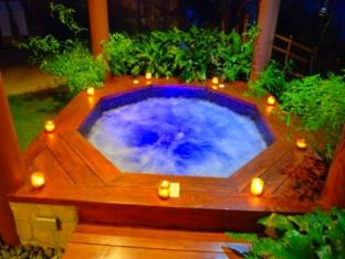 Eskaya Beach Resort and Spa Bohol - Hot Tub