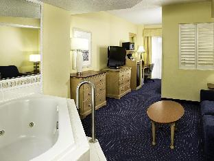 Four Points Hotel in ➦ Cocoa Beach (FL) ➦ accepts PayPal