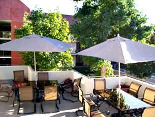 La Quinta Inn & Suites Thousand Oaks Newbury Park Newbury Park (CA) - Patio Sitting Area