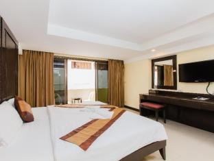 White Sand Resortel Phuket - Guest Room