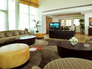 BurJuman Arjaan by Rotana guestroom junior suite