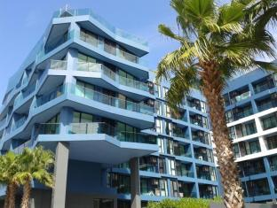 Acqua Apartments
