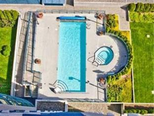 Marriott Vancouver Airport Richmond (BC) - Swimming Pool