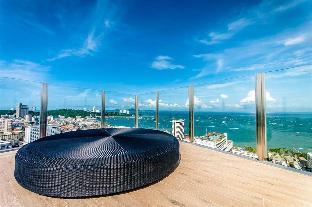 The baseCondo 200m frombeach seaview swimmingpool