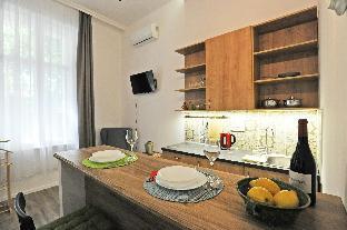 M37  Studio Apartment