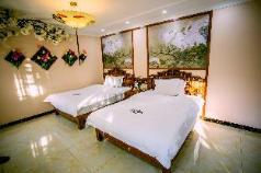 Luxury Riverview Balcony Standard Room, Kunming