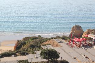 Dream Holidays with sea view on Beach Rock