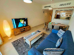 Downtown Dubai Superb 1 Bedroom with Sofa Bed - image 3