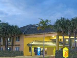Super 8 Fort Lauderdale Airport Hotel