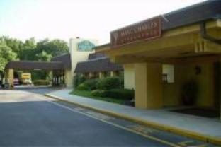 Elmsford Ny La Quinta Inn Suites White Plains In United States North America