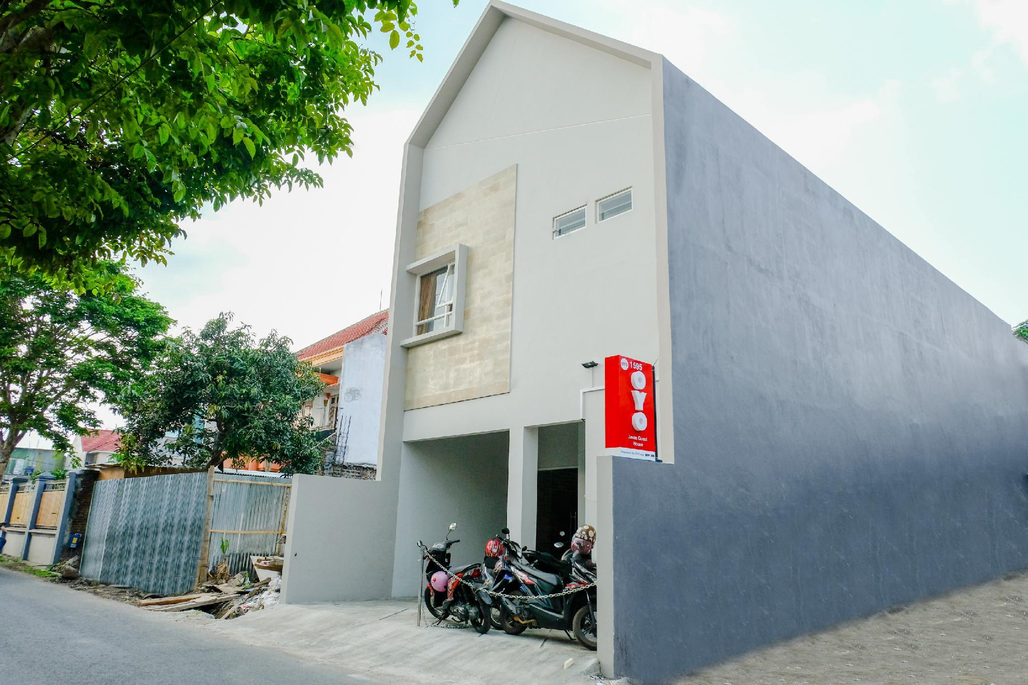 OYO 1595 Javas Guest House