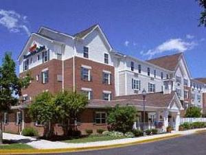 Towneplace Suites Lombard Hotel