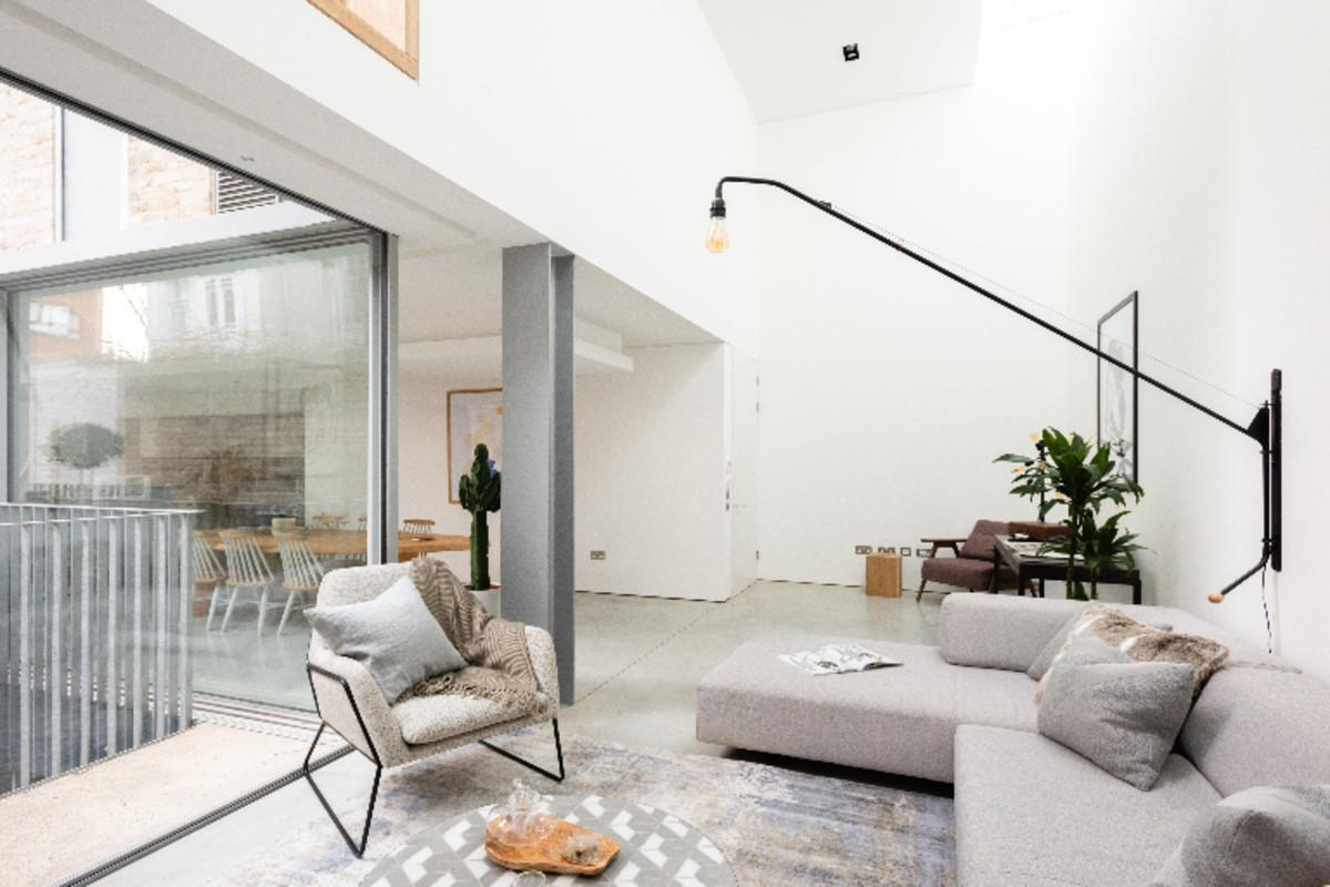 The Chelsea Walk   Modern & Bright 3BDR House With Rooftop & Parking