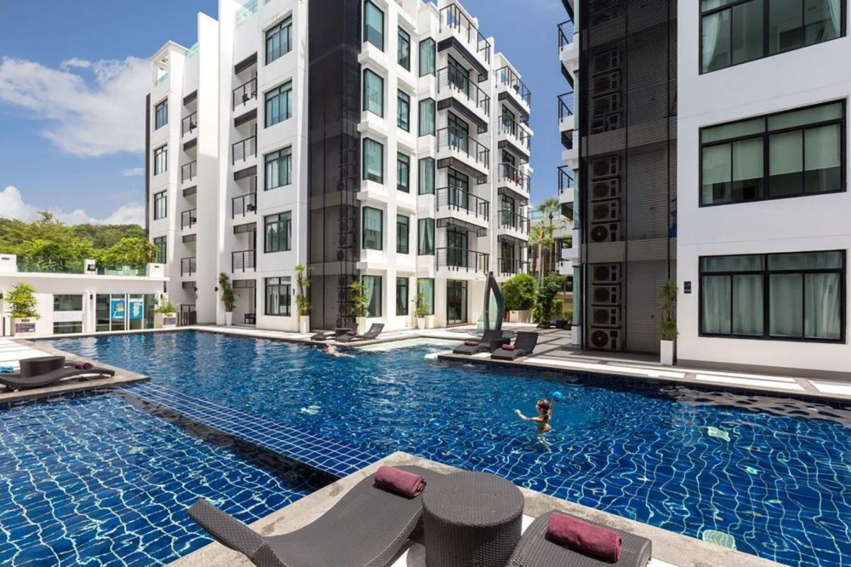 1 Bedroom Apartment. Walk to Beach. 2 Pools, Gym. อพาร์ตเมนต์ 1 ห้องนอน 1 ห้องน้ำส่วนตัว ขนาด 60 ตร.ม. – กมลา