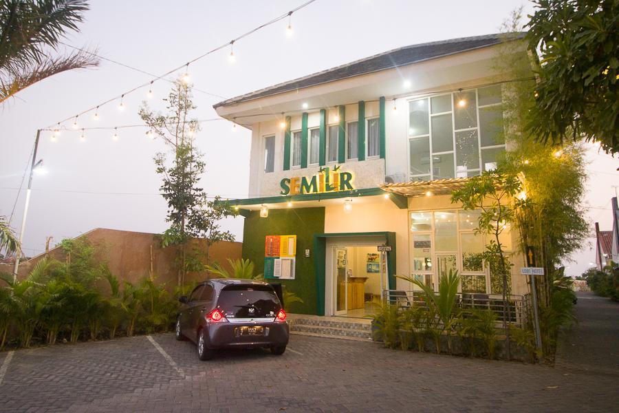 RedDoorz Plus Syariah Near Alun Alun Sampang