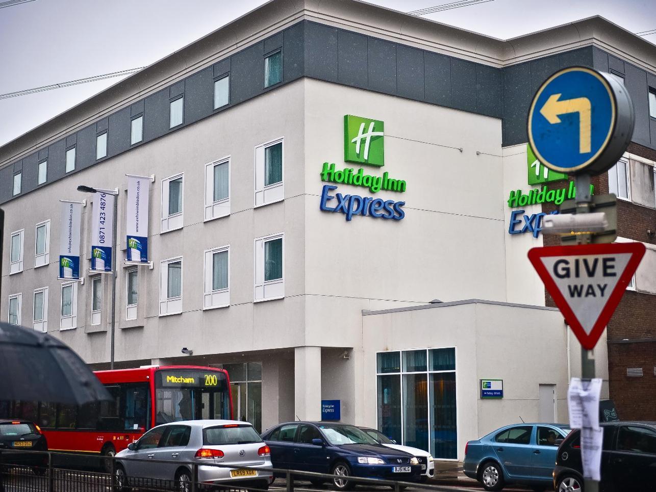 Holiday Inn Express London Wimbledon South