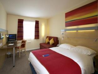 Фото отеля Holiday Inn Express Cardiff Airport