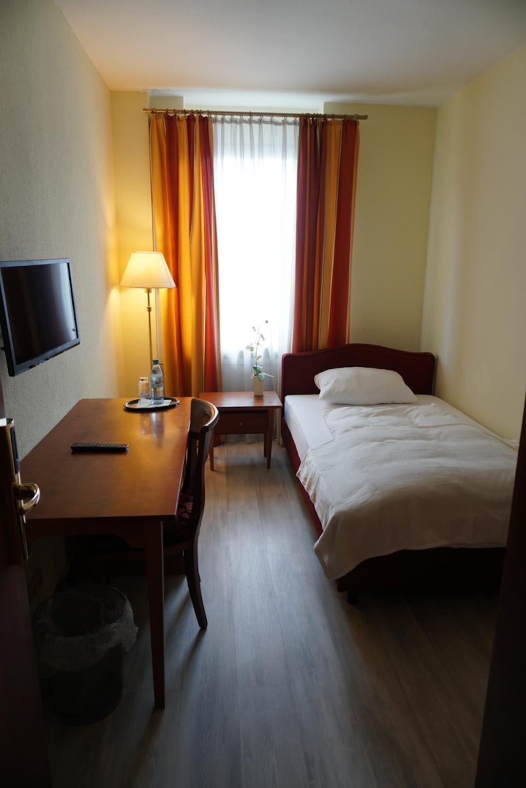 Adler   Hotel Und Restaurant Ruesselsheim