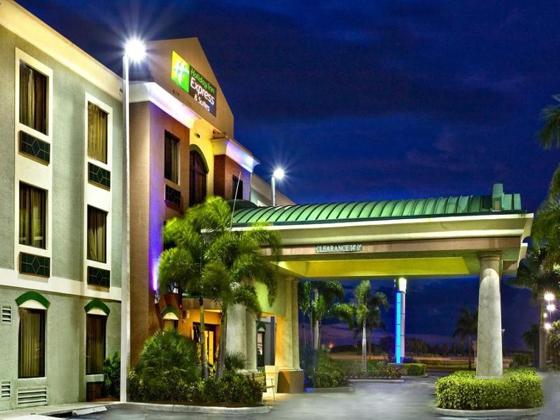 Holiday Inn Express Hotel And Suites Clewiston