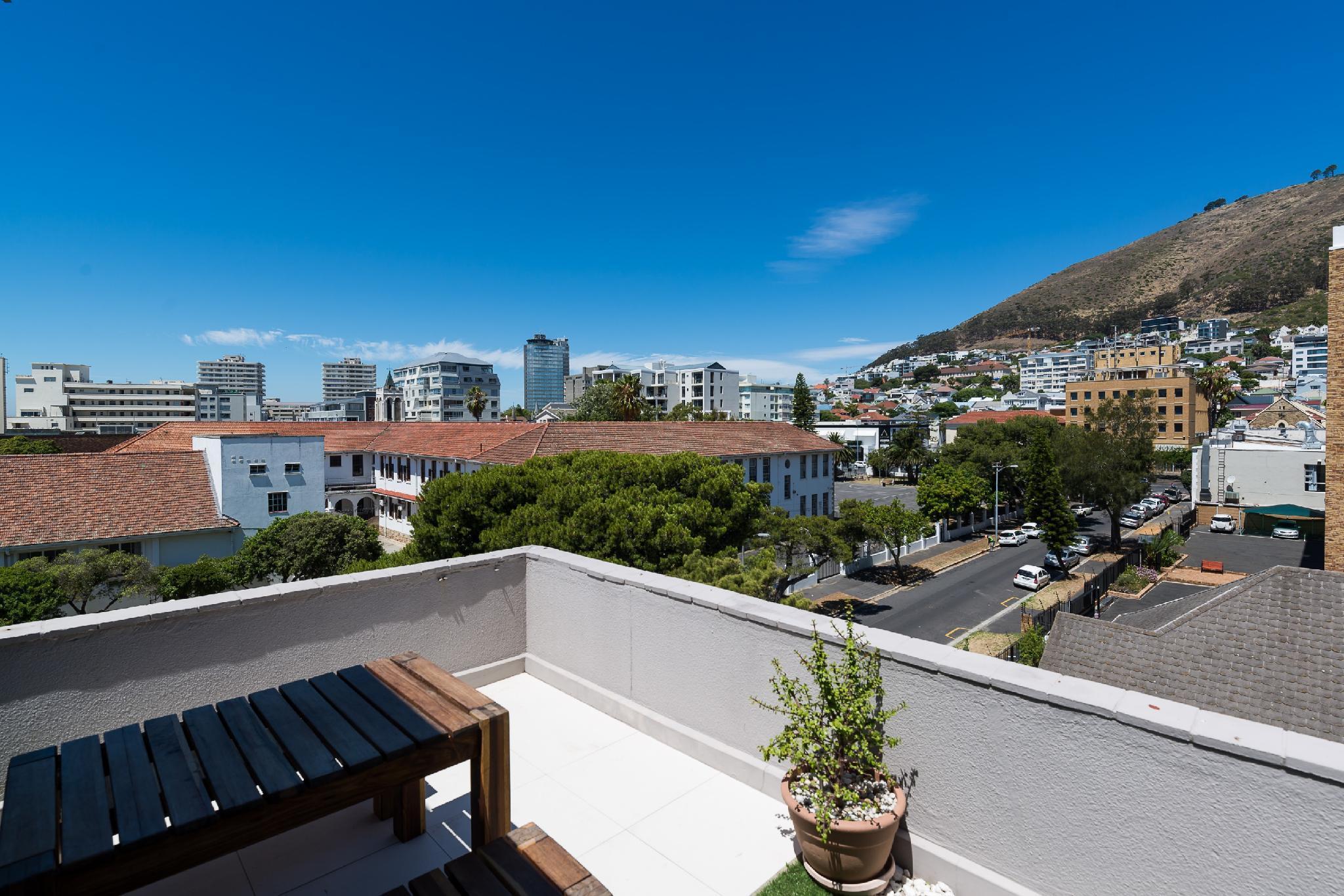 Penthouse With Sea Views And Wraparound Balcony